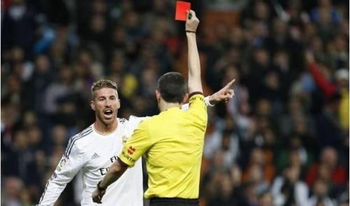 Ramos Diberi Kartu Merah Karna Mengecam Wasit El Classico | Judi Bola